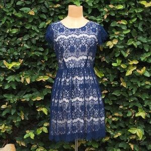 Forever 21 floral lace navy dress 👗